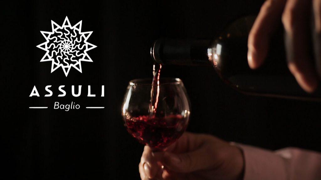 Roberto Caruso presenta il vino Lorlando, cavallo di battaglia della Cantina Assuli